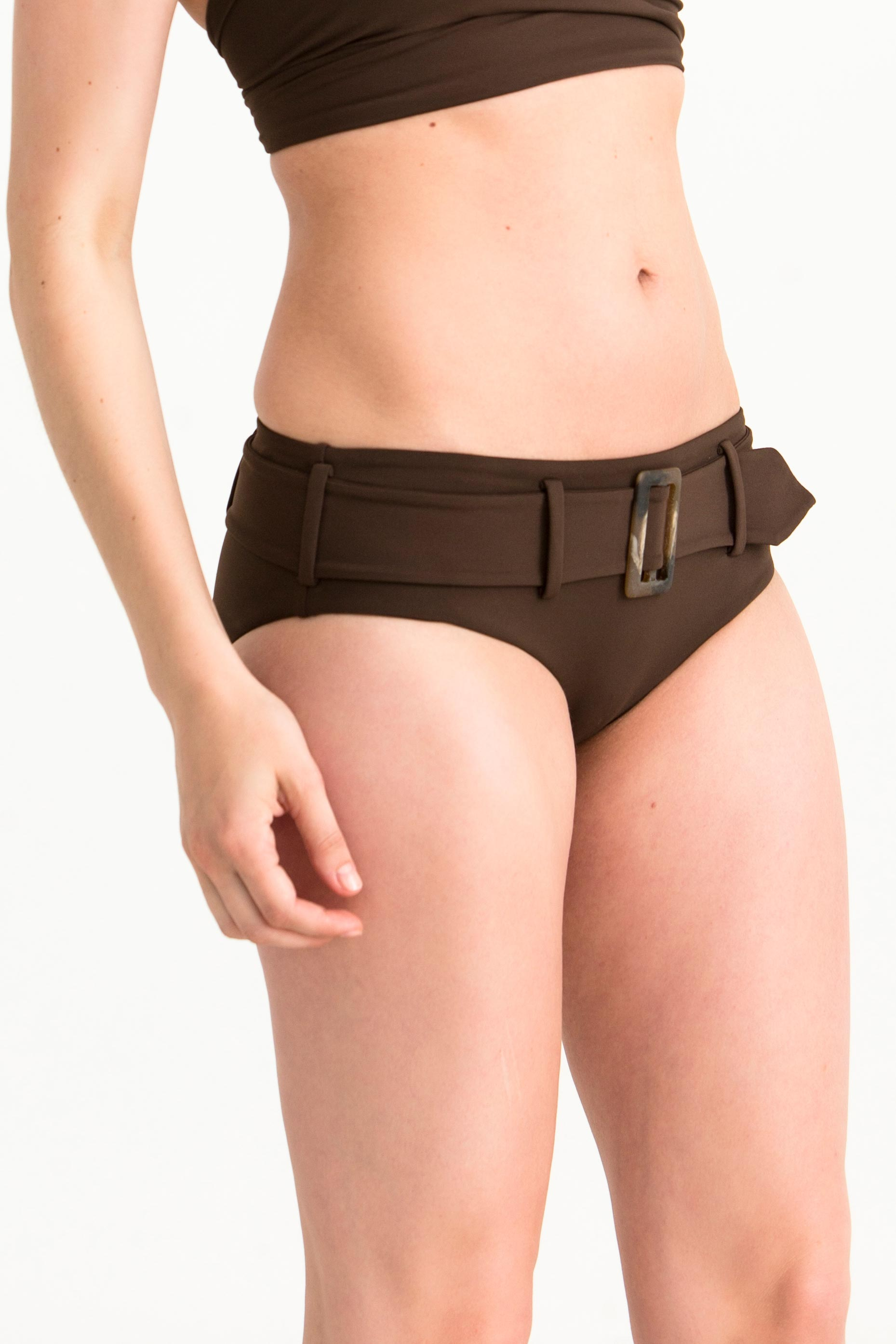 bib-bottom-belted-uni-ursula-choco1